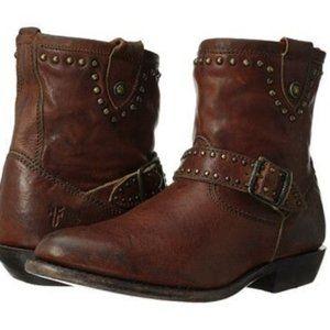 Frye Wyatt engineer studded booties size 8.5